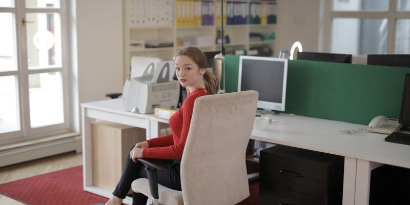 Dit is waarom je een goede bureaustoel wilt voor thuis! - Industrialliving.nl